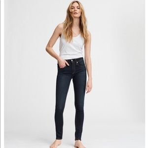 Rag & Bone Skinny Jeans in Dark Wash
